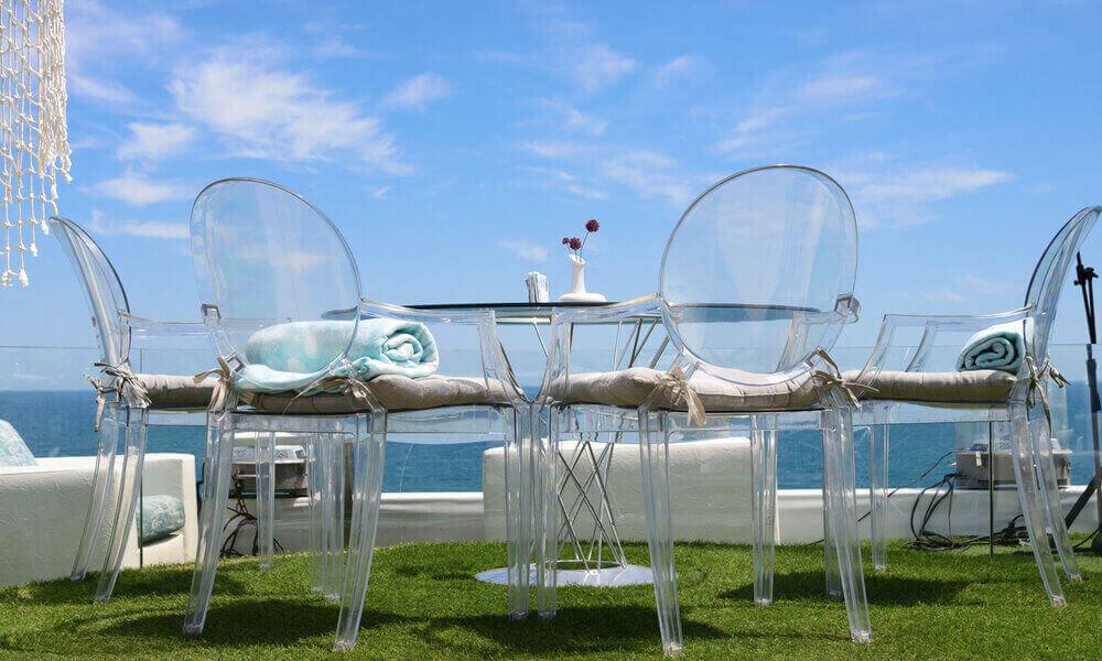 chaise transparente jardin